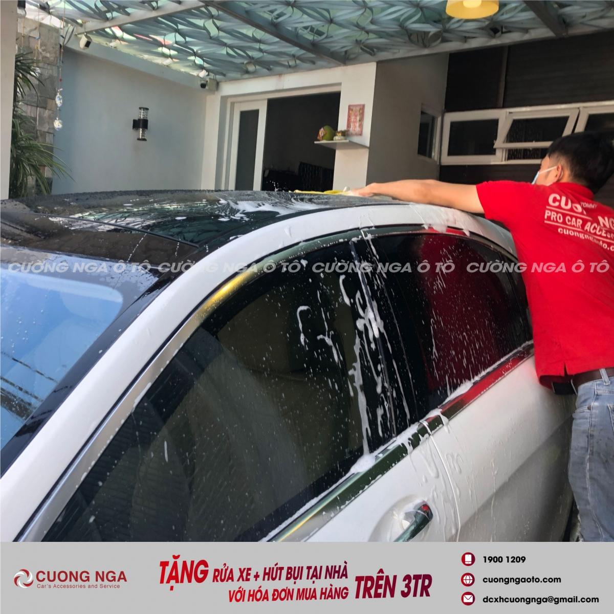 chăm sóc ô tô tại nhà