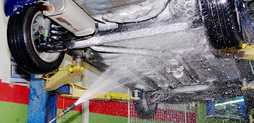 rửa gầm ô tô